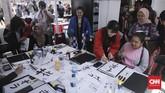 Di acara ini pengunjung juga bisa belajar menulis huruf kanji saat acara Jak-Japan Matsuri 2018 di komplek Gelora Bung Karno, Senayan, Jakarta (9/9).(CNN Indonesia/ Hesti Rika)
