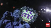 Pengunjung menikmati sejumlah pertunjukan musik yang digelar dalam festival Jak-Japan Matsuri 2018 yang digelar untuk memperingati hubungan diplomatik Jepang-Indonesia. (CNN Indonesia/ Hesti Rika)