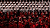 Parapenyanyikonser malam peringatan 70 tahun berdirinya Korea Utara di Pyongyang. (REUTERS/Danish Siddiqui)