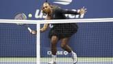 Performa apik Naomi Osaka membuat Serena Williams kesulitan. Naomi akhirnya mampu mengalahkan Serena dengan skor 6-2, 6-4. (REUTERS/Geoff Burke-USA TODAY Sports)