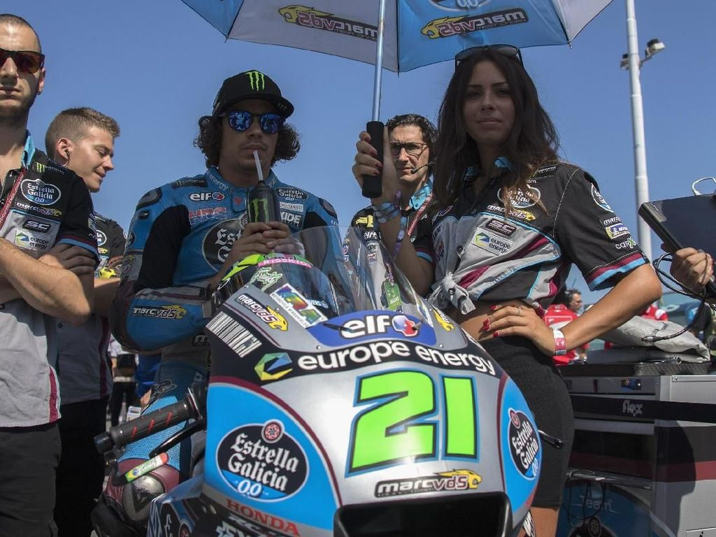 Franco Morbidelli bersiap digari start jelang balapan dimulai (Mirco Lazzari gp/Getty Images)