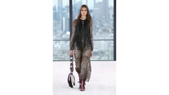 Mereka muncul dengan brand ambasador terbarunya, Kendall Jenner. (Thomas Concordia/Getty Images for Longchamp/AFP)