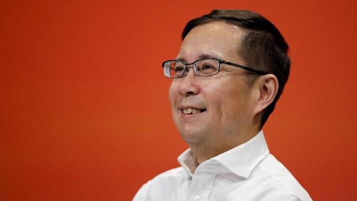 Jack Ma resmi mundur dari pucuk pimpinan Alibaba, raksasa teknologi yang telah dipimpinnya selama 20 tahun. Posisinya akan digantikan oleh Daniel Zhang.