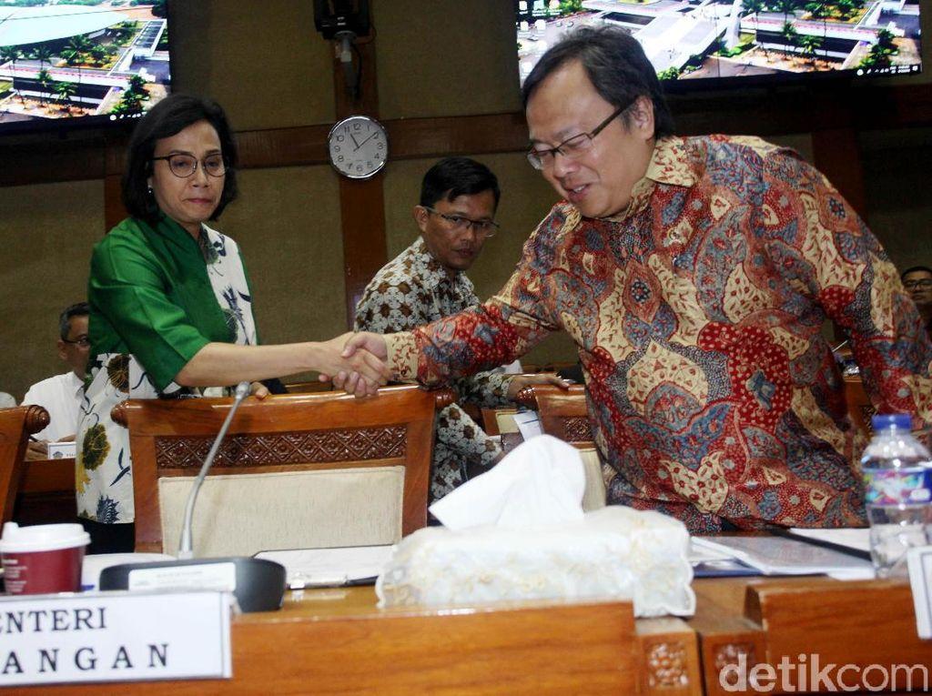 Tanggal 7 September 2018 tercatat Rp 14.848 per US$. Kalau dihitung rata-rata dari Januari adalah Rp 13.977 per US$, ini rata-rata 8 bulan plus 7 hari, kata Sri Mulyani di ruang rapat Komisi XI DPR, Jakarta, Senin (10/9/2018).