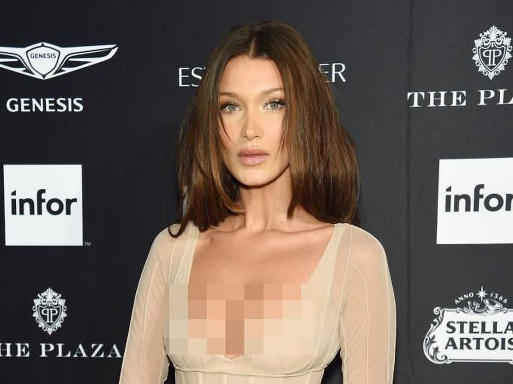 Foto: Serba Seksi dari Bella Hadid di New York Fashion Week