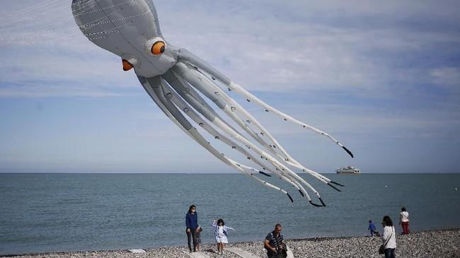 Festival layang-layang Dieppe's Kite Festival kembali digelar selama dua minggu sejak 8 September 2018. Acara ini digelar di kawasan pelabuhan Dieppe, utara Perancis.