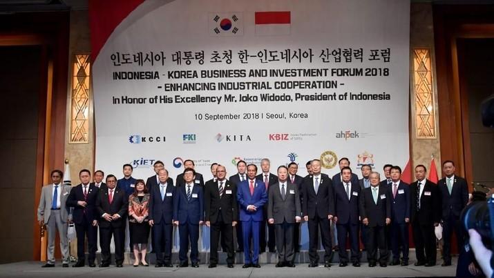 Jokowi menyebut perusahaan garmen dan tekstil asal Korea Selatan telah mempekerjakan hingga 900 ribu pekerja asal Indonesia.