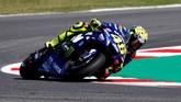 Valentino Rossi tak mengalami kemajuan dari posisi start dan hanya finis di posisi ketujuh. (REUTERS/Max Rossi)
