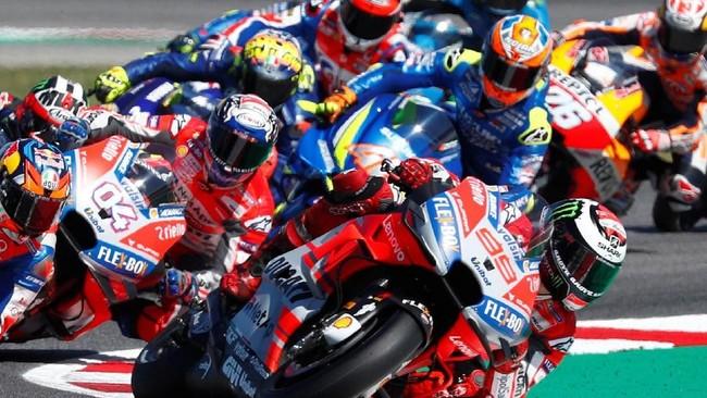 Jorge Lorenzo yang meraih pole position sempat memimpin balapan MotoGP San Marino pada awal-awal lap. (REUTERS/Max Rossi)