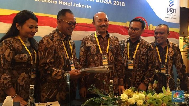 Menteri BUMN Rini Soemarno merombak direksi PT Perusahaan Gas Negara/PGN Tbk (PGAS) dalam Rapat Umum Pemegang Saham Luar Biasa (RUPSLB) yang digelar Senin.