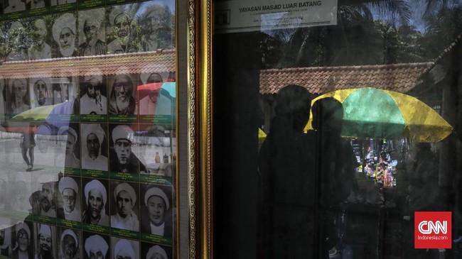 Fenomena masjid bersejarah di Indonesia, memang bukan khas Indonesia. Fenomena itu terjadi juga misalnya di Malaysia, Mesir, Turki, sebagian di Arab Saudi. (CNN Indonesia/Adhi Wicaksono)