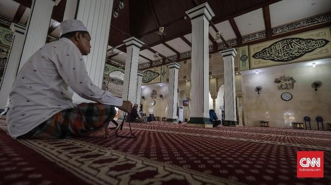 Bangunan masjid yang juga merupakan salah satu cagar budaya Pemerintah Provinsi DKI Jakarta ini, menghadap ke Pelabuhan Sunda Kelapa. (CNN Indonesia/Adhi Wicaksono)