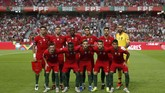 Skuat timnas Portugal tanpa Cristiano Ronaldo pada laga menghadapi Italia di Stadion Da Luz Lisbon. (REUTERS/Rafael Marchante)