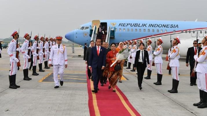 Presiden Joko Widodo tengah berada di Vietnam.