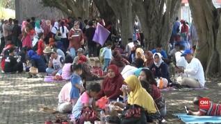 VIDEO: Liburan 1 Muharam, TMII Dipadati Wisatawan