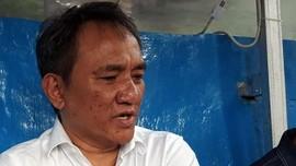 Andi Arief Tuding Ada Kaitan Perusak Bendera dengan PDIP