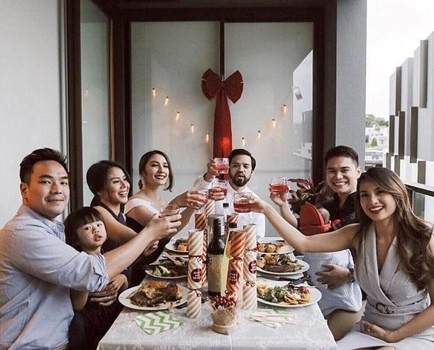 Romantisnya Vicky Kharisma Saat Makan Malam Bersama Acha Septriasa