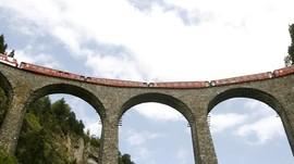 Layanan Kereta Delapan Jam Suguhkan Kecantikan Swiss