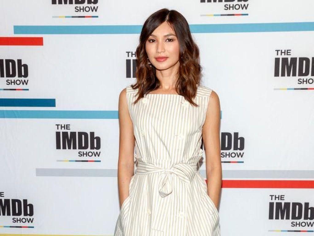 Foto: Gaya Gemma Chan, Si Cantik Astrid di Crazy Rich Asians