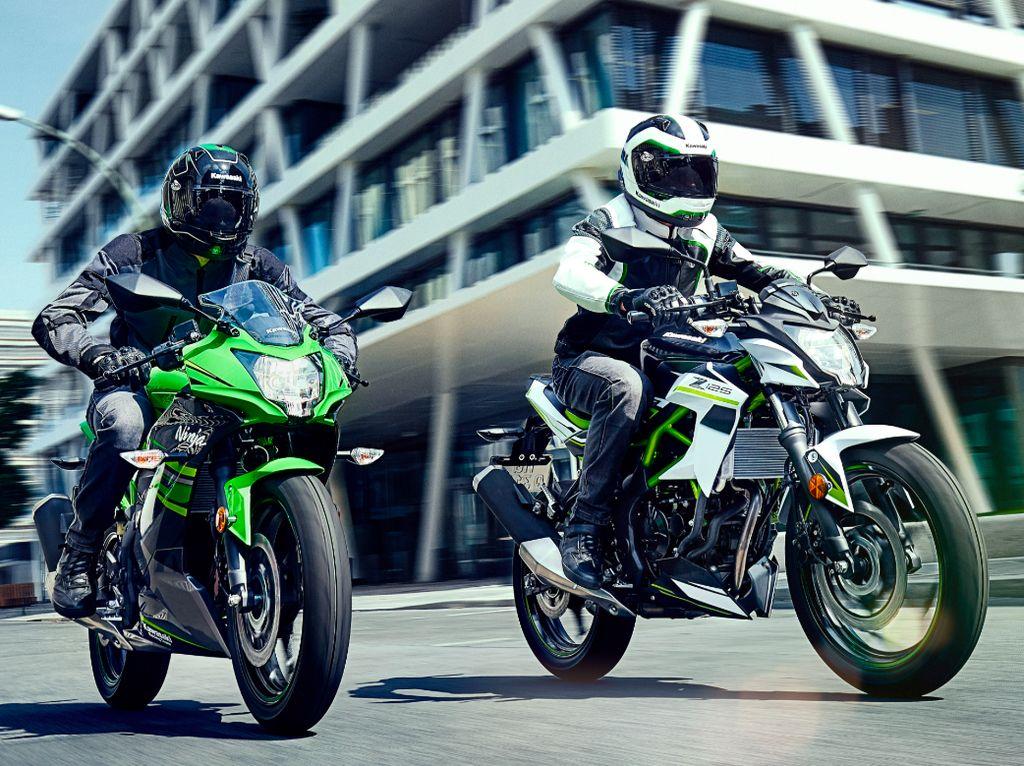 Hanya, Ninja 125 dan Z125 menggendong mesin yang lebih kecil. Motor itu cuma punya mesin 125 cc satu silinder dengan output tenaga sekitar 14,8 dk. Foto: pool (motorcycle)