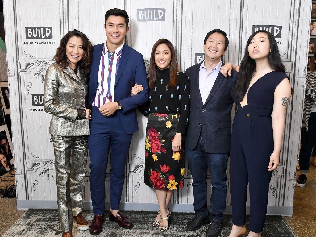 Bersama Michelle Yeoh, Ken Jeong hingga Henry Golding, film tersebut menjadi no.1 di Amerika Serikat dan Kanada.Michael Loccisano/Getty Images
