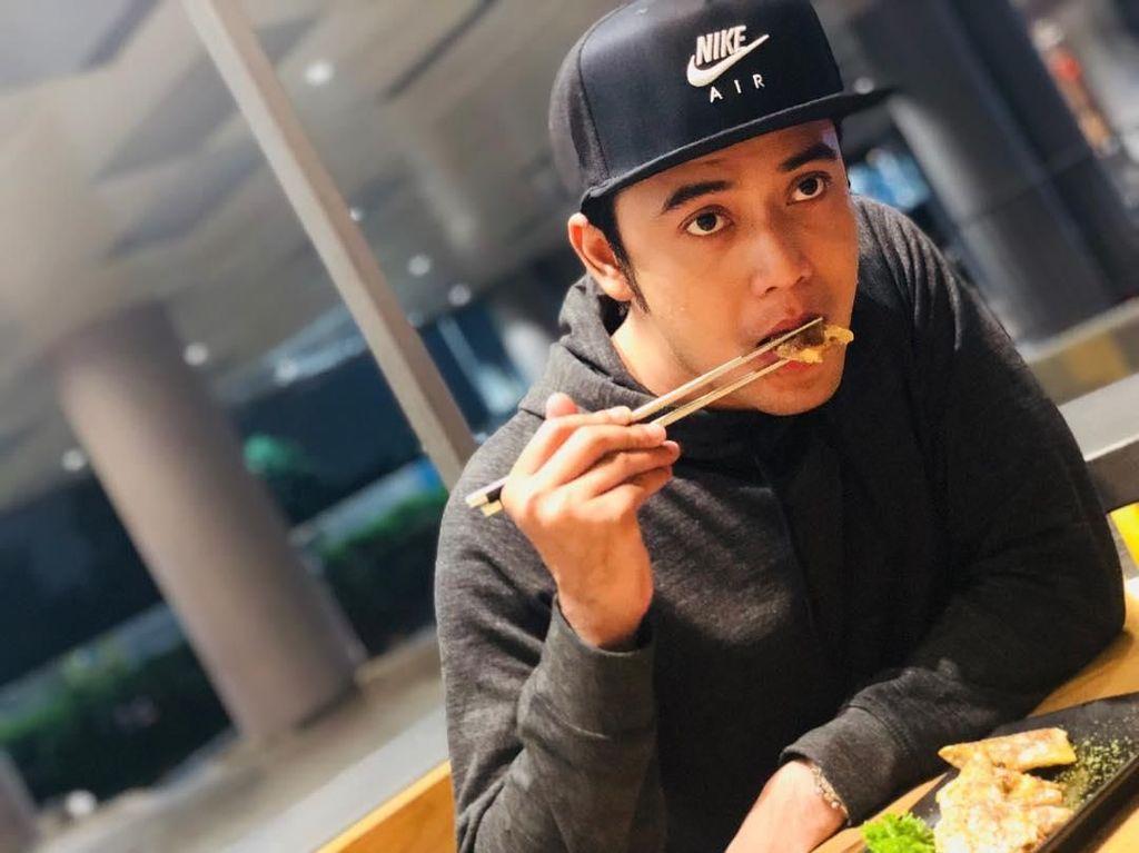 Hidangan daging khas Jepang jadi menu pilihan makan malam Kriss yang mengenyangkan. Foto: Instagram @krisshatta07