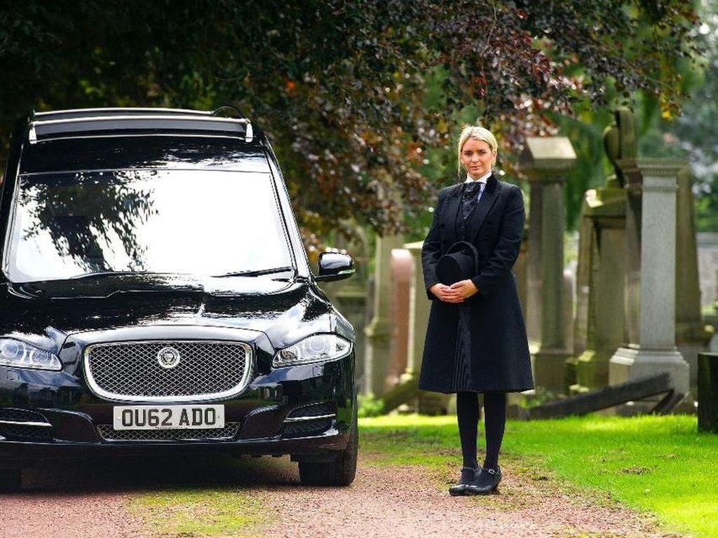 Kisah Inspiratif Wanita dengan Profesi Unik: Direktur Pemakaman