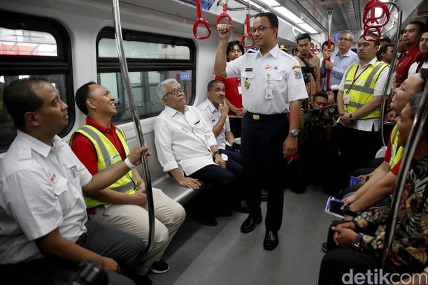 Anies Baswedan Uji Coba LRT Velodrome-Kelapa Gading