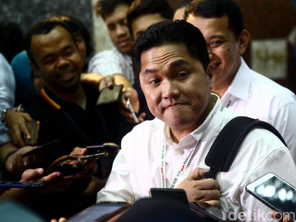 Erick Thohir mendengarkan apa saja yang sudah dikerjakan oleh TKN pasangan Jokowi-Maruf selama ini.
