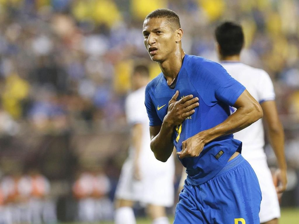 Gabriel Richarlison merayakan gol. Dalam pertandingan ini, Richarlison turut menyumbangkan dua gol untuk Brasil. Geoff Burke/ USA Today Sports/Reuters.