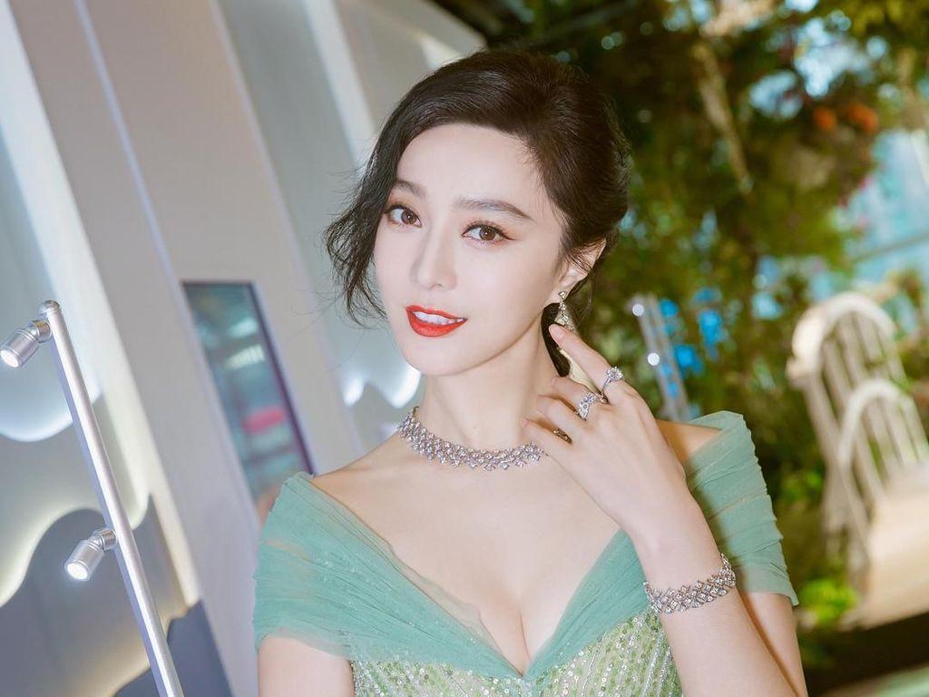 Cantik-cantik Mangkir Pajak, Aktris China Ini Menghilang dari Instagram