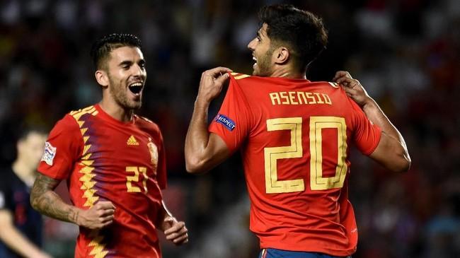 Pada babak kedua, Spanyol kembali mencetak tiga gol ke gawang Kroasia. Laga berakhir dengan skor 6-0. (AFP PHOTO / JOSE JORDAN)