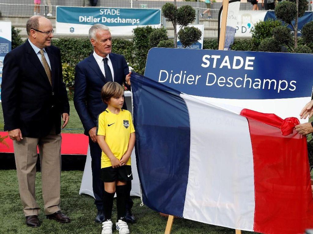 Stadion Didier Deschamps menggantikan nama stadion Marquet yang berlokasi di Cap dAil. Pelatih berusia 49 tahun itu tinggal di Cap dAil, kawasan Monaco, sejak 2001. (Foto: Eric Gaillard/Reuters)