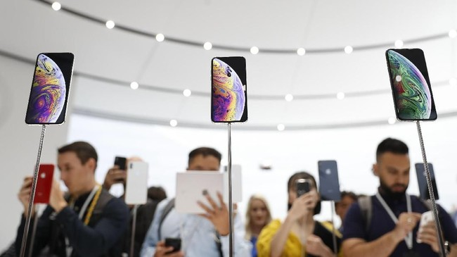 Apple kembali memperkenalkan generasi penerus iPhone di Steve Jobs Theater, Cupertino, California, AS pada 13 September 2018. (REUTERS/Stephen Lam)