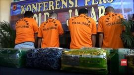 VIDEO: Kelabui Petugas, Pengedar Kemas Sabu dalam Bungkus Teh