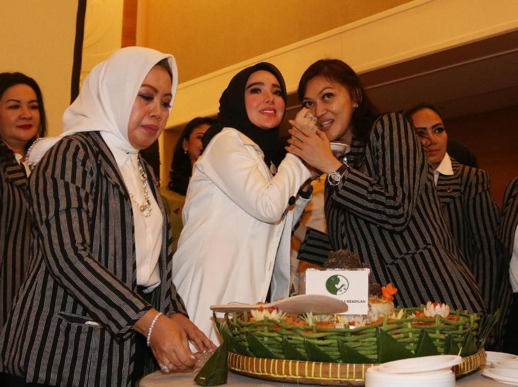 Dengan dilantiknya DPD PPK DKI Jakarta Organisasi PPK akan fokus untuk memperjuangkan hak-hak perempuan dan masalah perempuan yang tidak mendapatkan keadilan di wilayah DKI Jakarta. Pool/PPK.