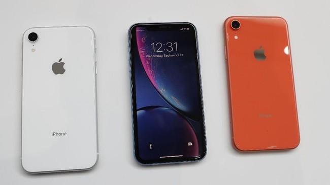 Apple memperkenalkan iPhone Xs Max dengan besar layar 6,5 inci,OLED beresolusi 2.436 X 1.125 dengan cipset A12, RAM 64 GBserta ROM64GB, 256 GB dan 512 GB.(REUTERS/Stephen Lam)