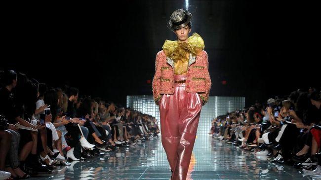 New York Fashion Week 2019 dalam Pusaran Kesepian