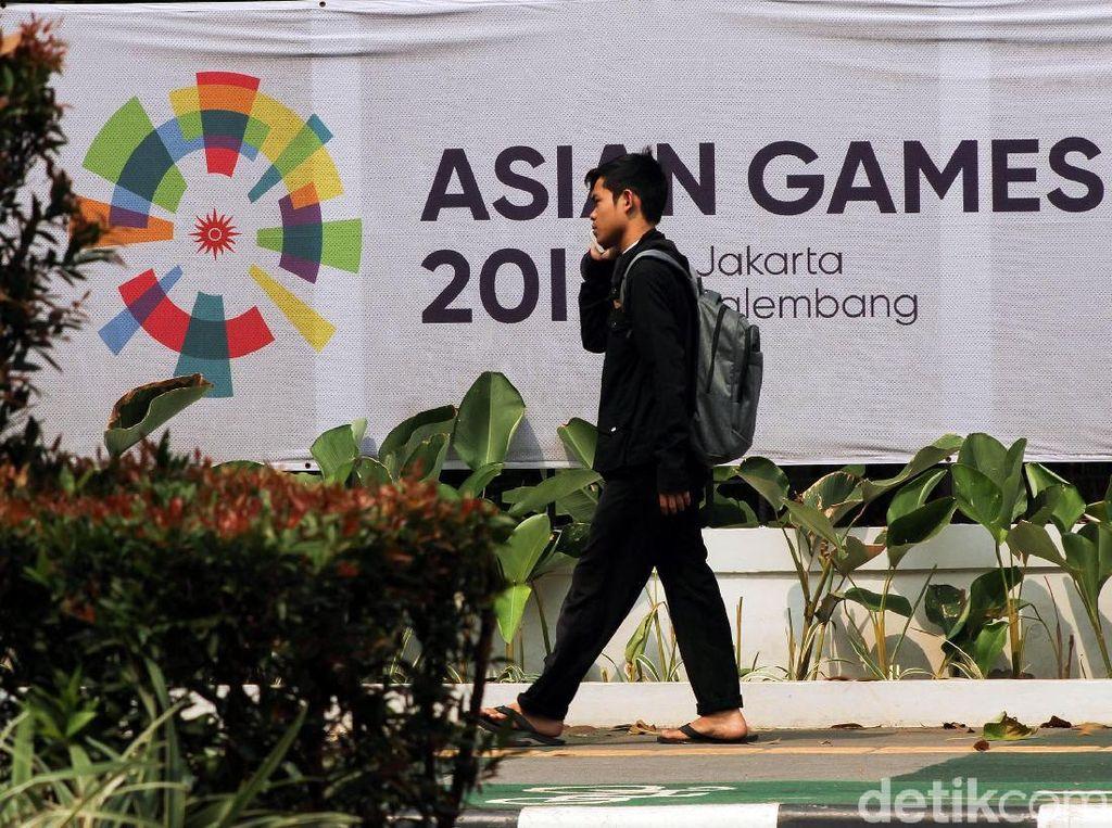Spanduk Asian Games masih banyak bertebaran di Jakarta.