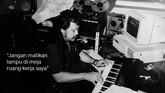 Harry Roesli juga dikenal sebagai musisi yang amat produktif, baik ketika masih tergabung dalam 'Gang of Harry Roesli' ataupun sebagai solois. Ia menciptakan belasan album, puluhan lagu, kolom di surat kabar, hingga pementasan teater. (dok. Pribadi)