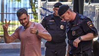 Anggota Pussy Riot yang Diduga Diracun Kini Telah Sadar