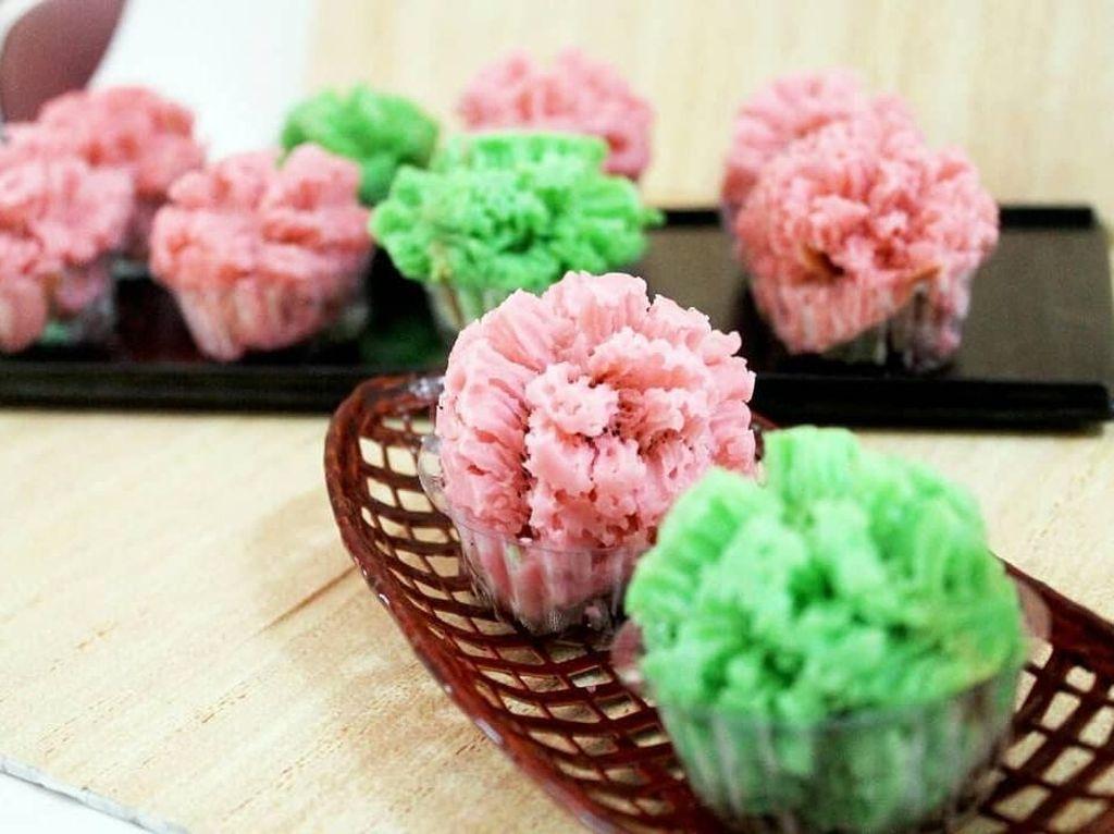 Kalau biasanya carabikang berbentuk pipih merekah maka yang ini bentuknya membulat seperti cupcakes. Unik ya! Foto : instagram @ang_saraswati
