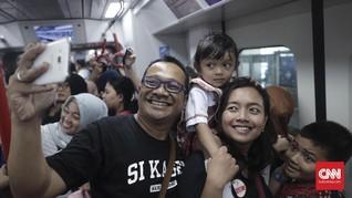 FOTO: Melihat Lebih Dekat Uji Coba LRT Jakarta