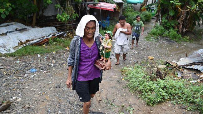 Topan Super Mangkhut Akan Terjang Filipina, Warga Evakuasi