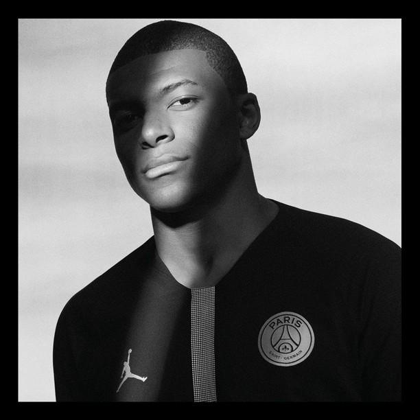 Hitam nan Elegan: Kolaborasi Maut PSG dan Michael Jordan