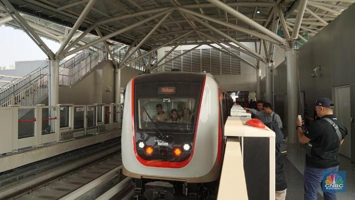 Serunya Jajal LRT Jakarta dari Velodrome ke Kelapa Gading