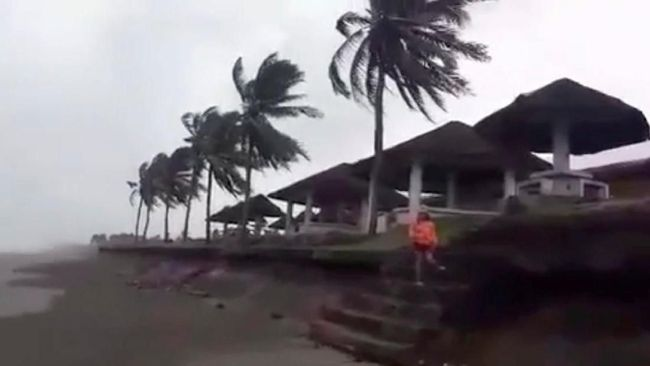 Angin Tropis Filipina, 15 Ribu Orang Terlantar di Pelabuhan