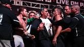 Tarung ulang Canelo Alvarez vs Gennady Golovkin semula dijadwalkan pada 5 Mei lalu. Namun, pertarungan terpaksa ditunda karena Canelo tersandung masalah doping. (Al Bello/Getty Images/AFP)
