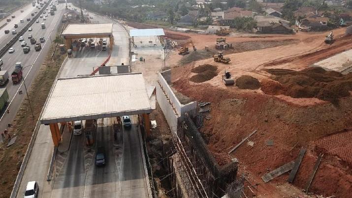 Tiga ruas Jalan Tol Jakarta Outer Ring Road (JORR 2) ditargetkan tuntas dan bisa beroperasi pada 2019.