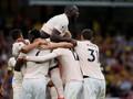 Matic Kartu Merah, Man United Menang 2-1 Atas Watford